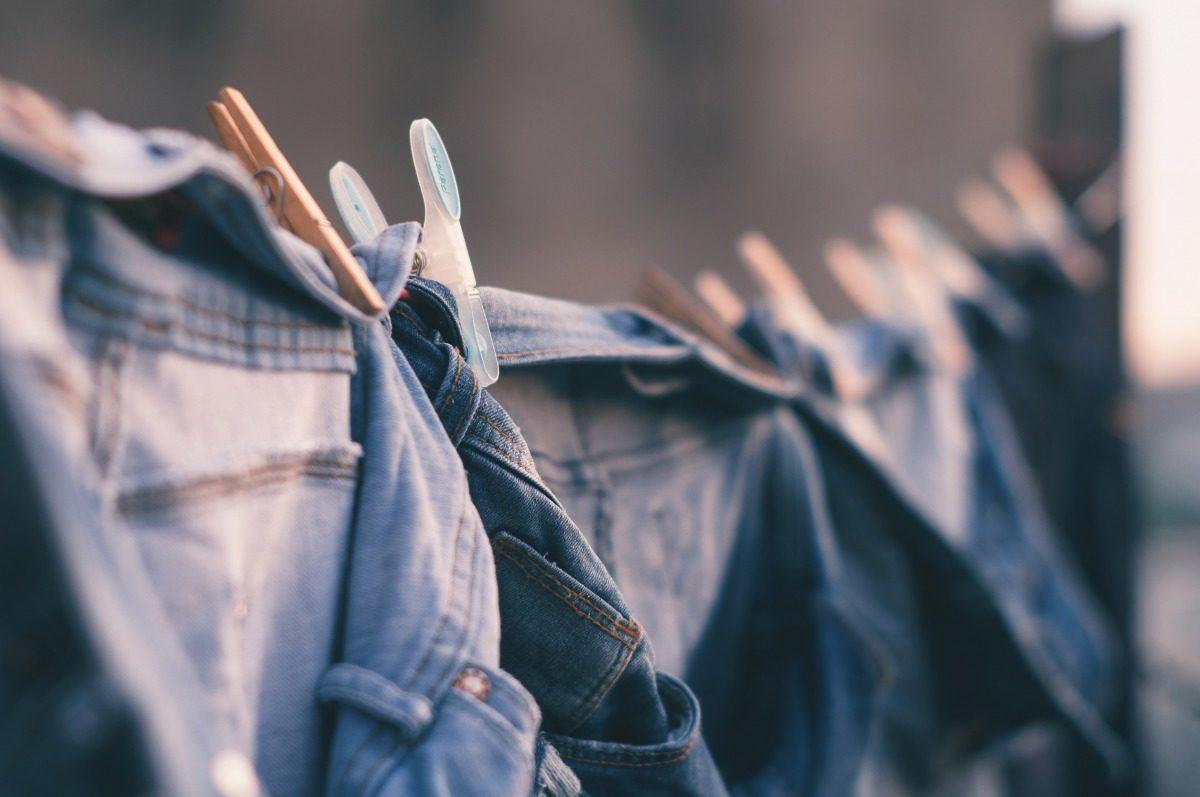 ノマドワーカーが、もっとも軽量すべきアイテムは衣類です