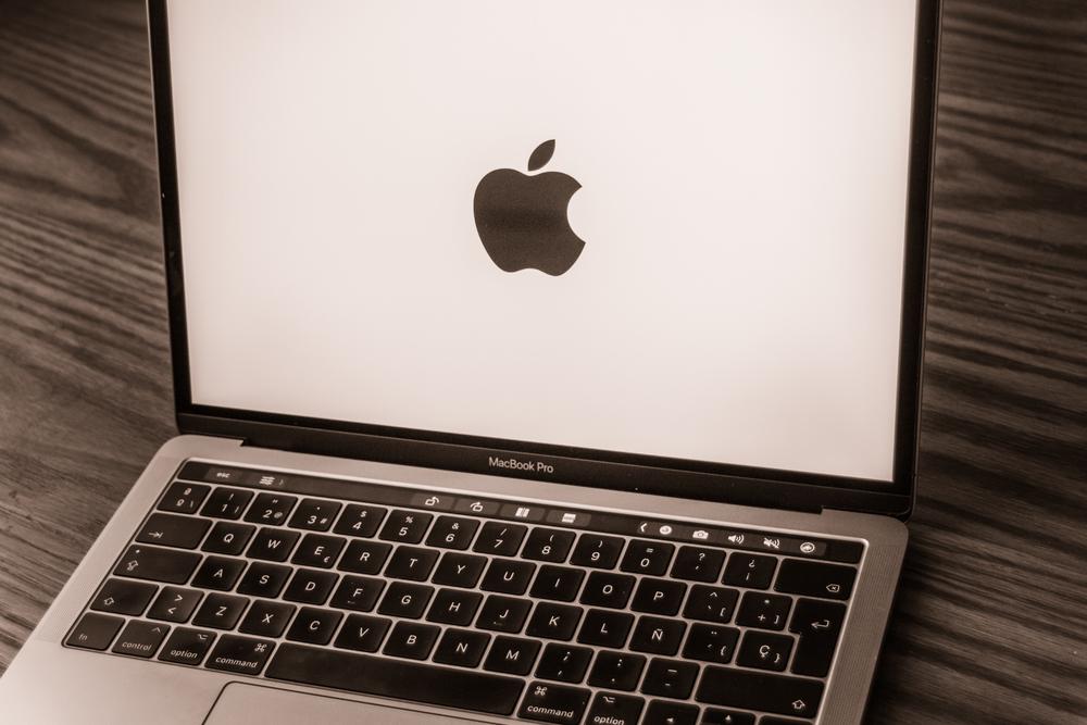 【作業PC】ブログ運営で使うパソコンはMacがおすすめ【初心者】