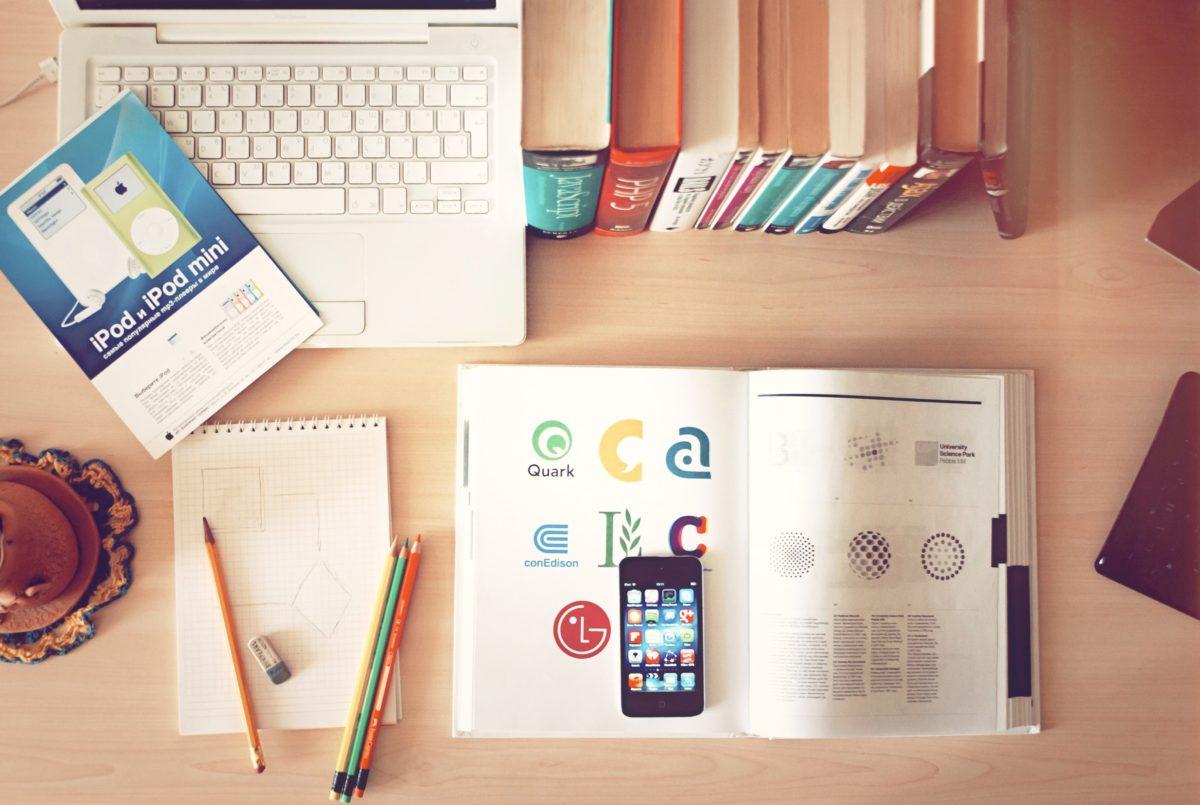 運営するサイトの目的によって、選ぶべきテーマは変動する
