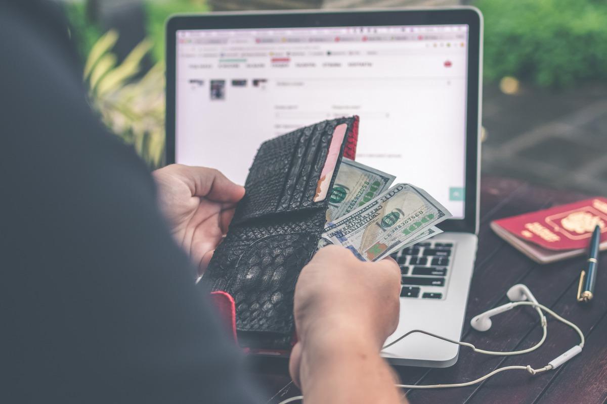 個人ビジネスこそ、月額課金コンテンツを導入すべき理由【2つある】