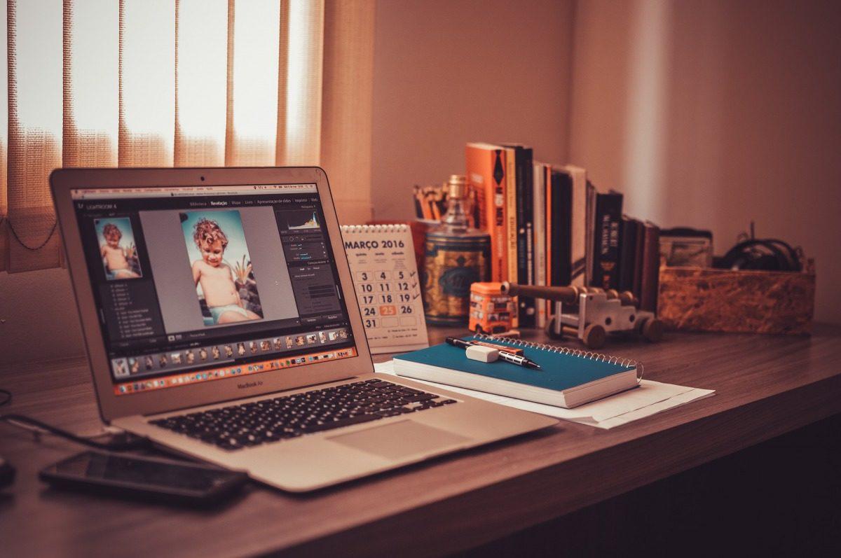 ブログのバナー/ヘッダー画像の制作におすすめ【無料ツール3選】