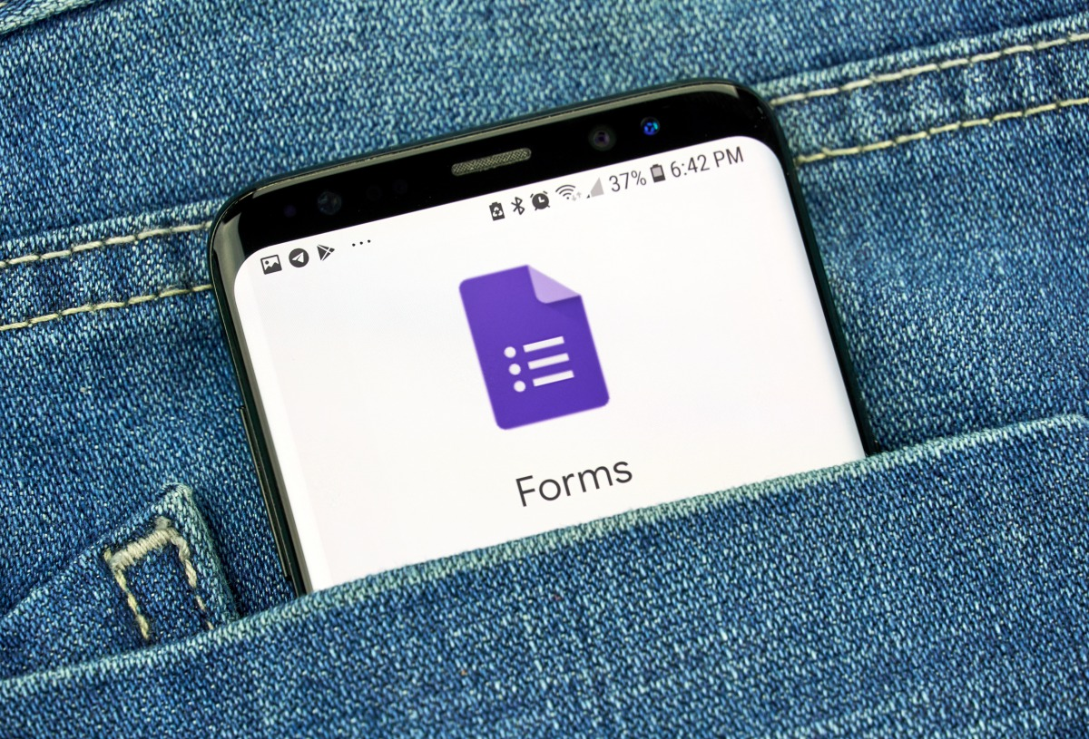【Googleフォーム】「複数のメールアドレス」に通知を送る方法